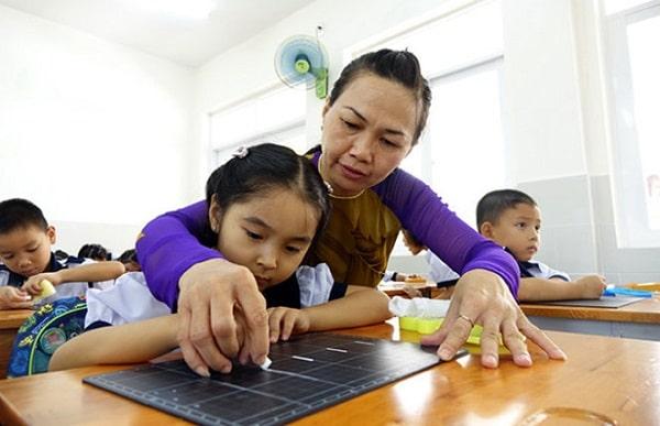 Những lớp học thêm giúp trẻ làm quen với các kiến thức mới