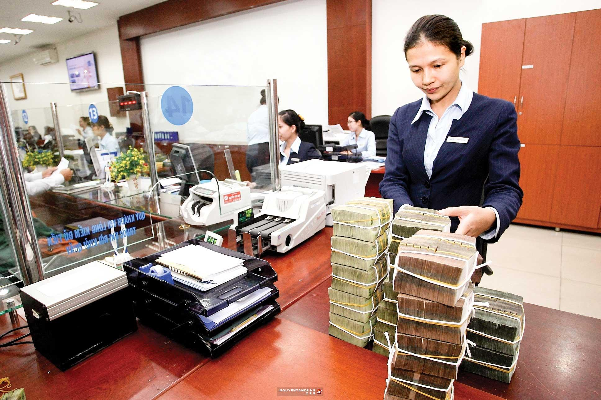 nhân viên ngân hàng