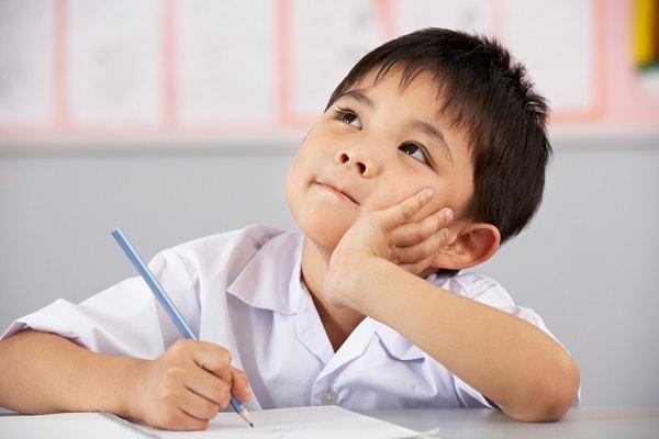  Phụ huynh cần chuẩn bị việc học cho con