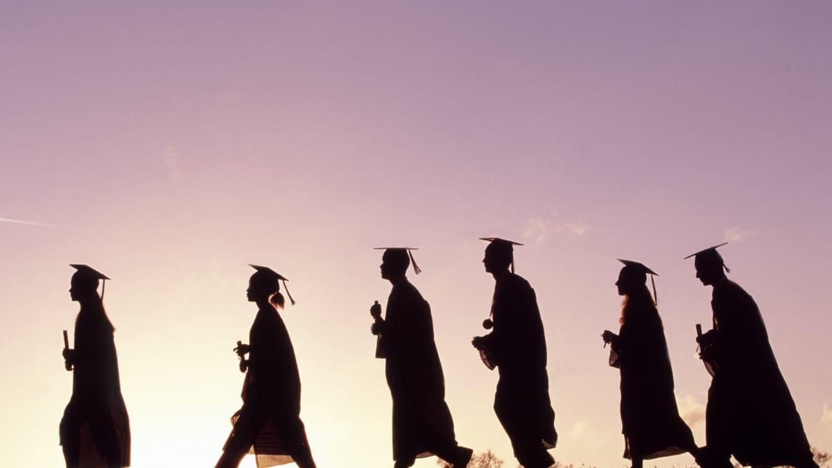tìm việc làm cho sinh viên mới ra trường 1