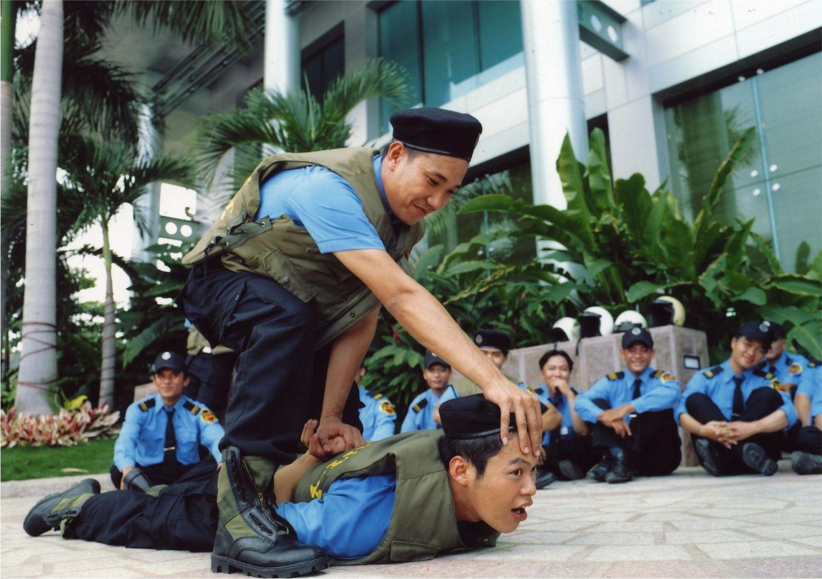 việc làm bảo vệ tại tphcm 4