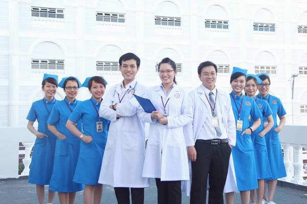 Bác sĩ đa khoa là ngành được nhiều người lựa chọn