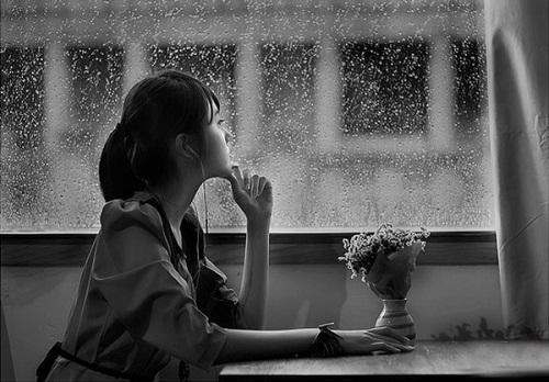 tintrongtop.com - Mình nhớ những hôm mưa và hôm ngập nắng buồn