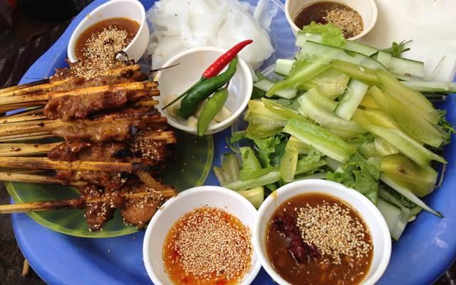 toptin247.com - Toàn bộ thức ăn cực ngon cần nếm tại khu vực chợ lâu năm nhất phố cổ Hội An