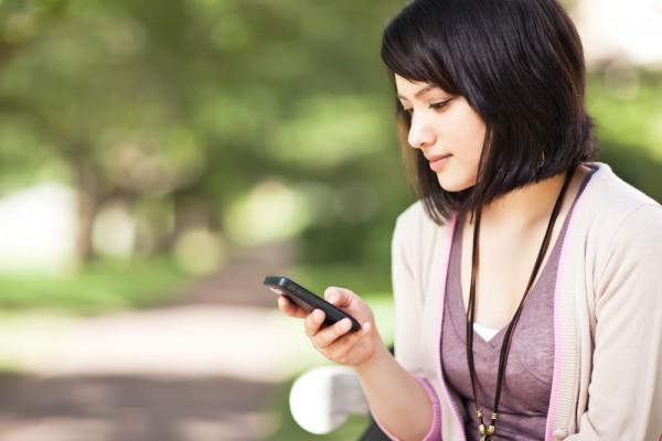 blogdoctin.net - Bạn đã biết cách mua thẻ cào điện thoại bằng SMS mới nhất chưa?