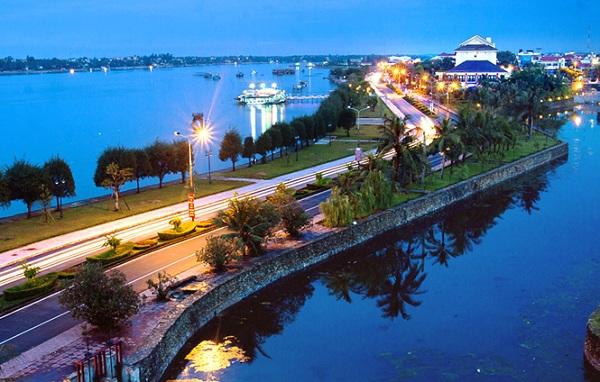 HHBPlus.com - Nhanh tay nhanh chân đặt vé máy bay giá ưu đãi đến Thành phố Đồng Hới để được lấy chương trình giảm giá