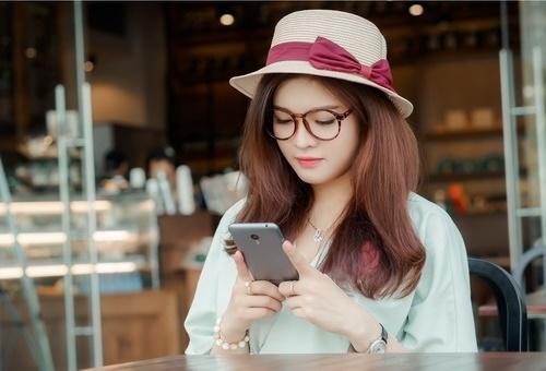 Sử dụng dịch vụ TN20 của Vinaphone thoải mái gọi thoại.