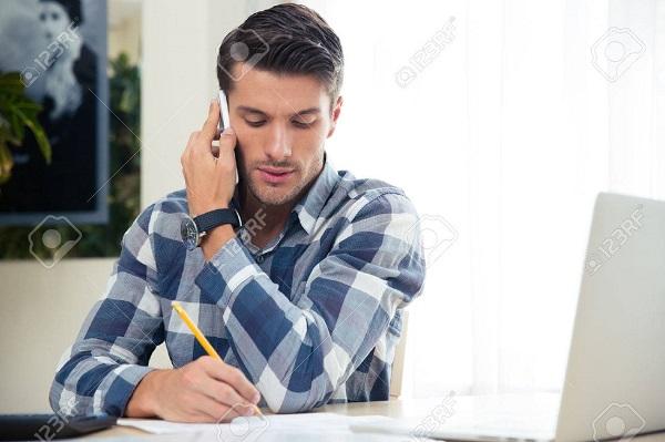 Mua thẻ điện thoại theo thao tác hiện đại nhất dành cho khách hàng trẻ!