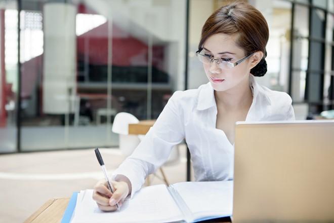 Hướng dẫn cách ghi đơn xin việc hay và chi tiết nhất