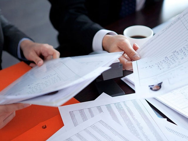 Làm cách nào để tạo mẫu đơn xin việc nổi bật?
