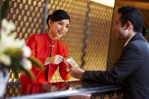 Ngành lễ tân khách sạn – yêu cầu và kỹ năng cần để có việc làm tại Hà Nội