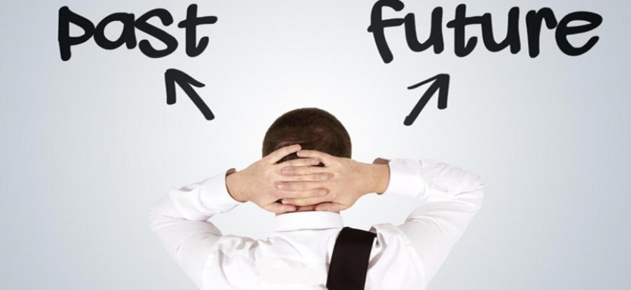 contentviet.com - Nghỉ làm chạy theo tiền lương đáng hay không?