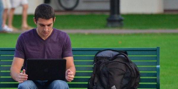 Cân bằng học tập và việc làm part time cho sinh viên như thế nào