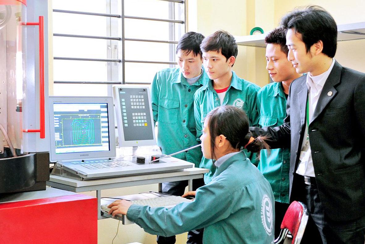 Tuyển dụng ứng viên tìm việc lao động phổ thông thời công nghệ số